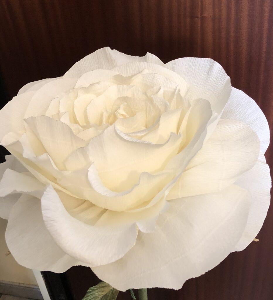 Esempio di fiore in carta crespa